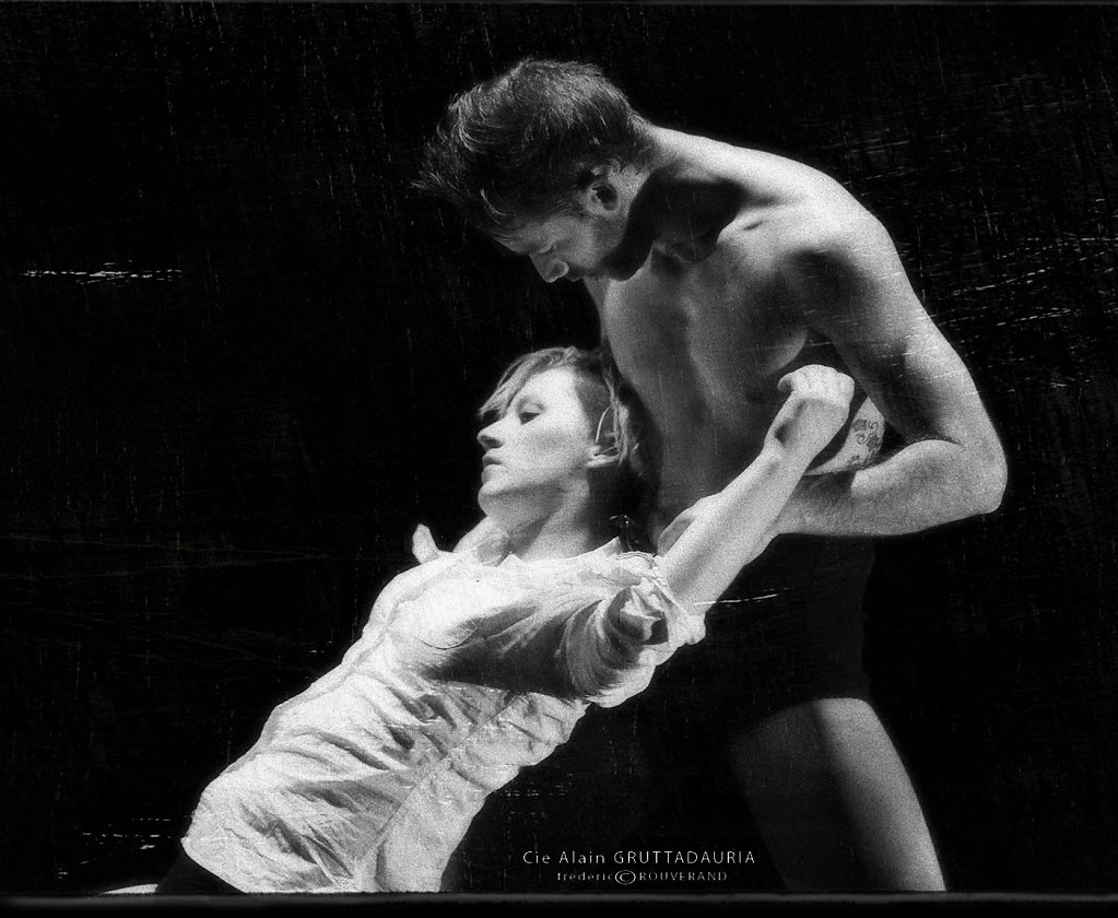 Cie Alaian GRUTTADAURIA-Extravagances - danseurs Gaetan Boschini et Priska Gloanec