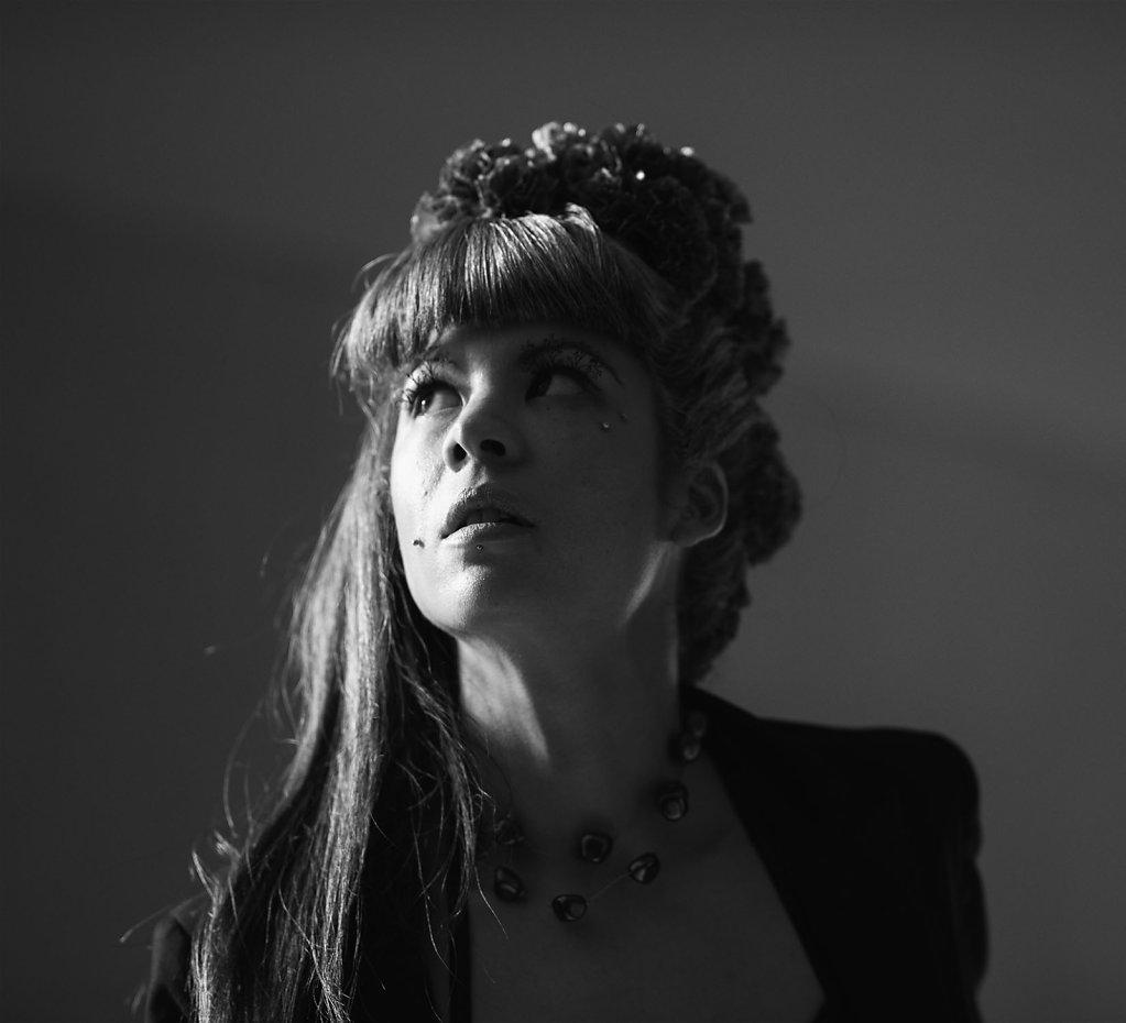 Coiffure : Elizabeth Giry - Modéle Eve Stevens